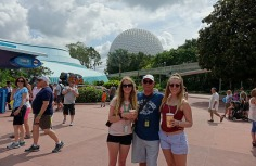 1.1433950121.bob-and-the-girls-at-epcot