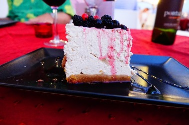2.1441041523.cheesecake-with-berries