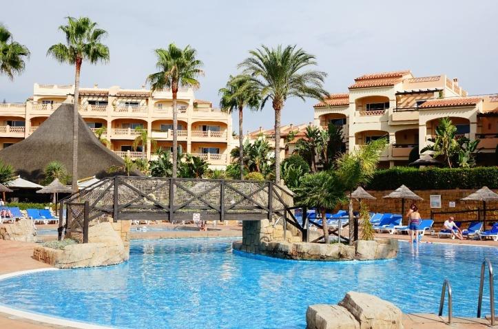 2.1441485250.santa-cruz-suites-and-main-pool