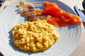 4.1442080404.my-breakfast-beside-the-lake