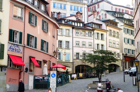 4.1442080404.picturesque-old-town-lausanne
