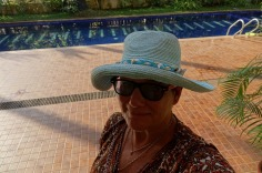 5.1452673167.mother-in-her-sun-hat
