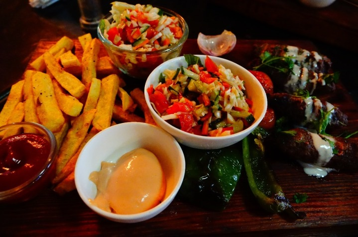 5.1452789616.lamb-kebabs-chips-salad-roti-bread-and-dips