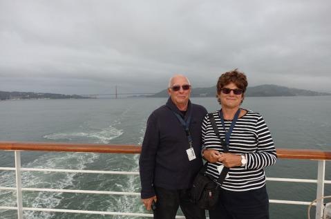 3.1460408176.bob-and-i-alcatraz-behind