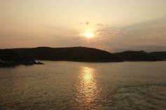 3.1461020532.sunset-sailaway