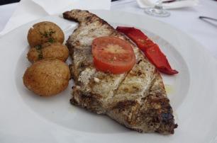 3.1462174945.swordfish-steak