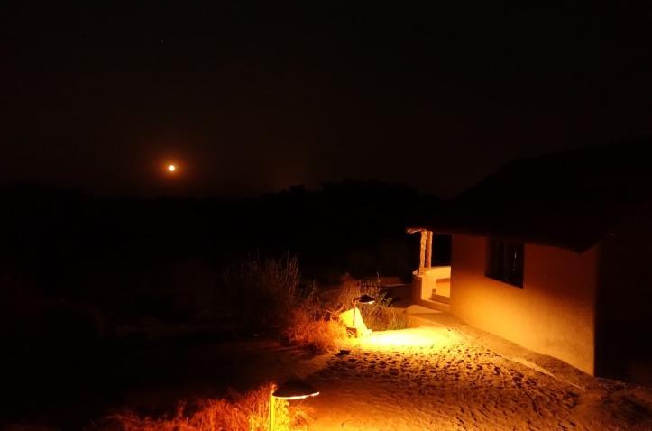 7.1487182690.atmospheric-at-night-moon-rising